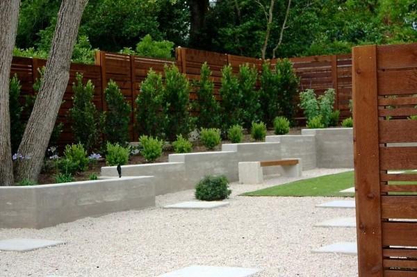 Awesome Small Backyard Rock Garden