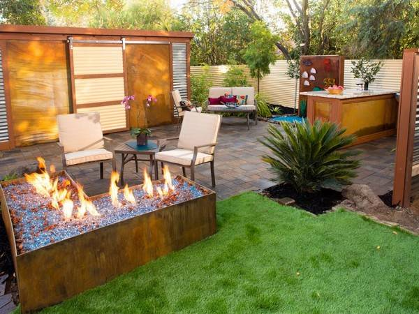 Backyard Design Ideas - Planted Well