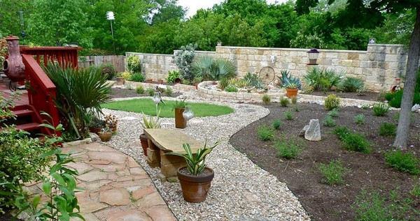 100 landscaping ideas for front yards and backyards for Cool back garden designs