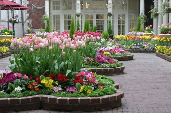 37 creative lawn and garden edging ideas with images planted well - Flower and lawn landscaping ideas ...
