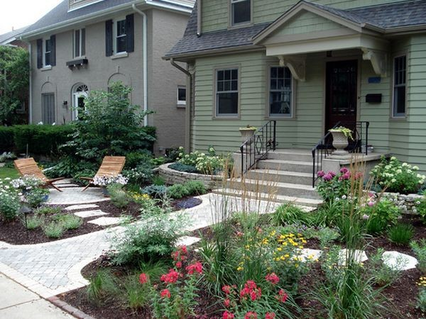 100 landscaping ideas for front yards and backyards for Landscaping a small area in front of house