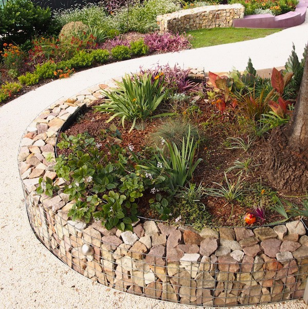garden edging ideas - Garden Ideas Using Stones
