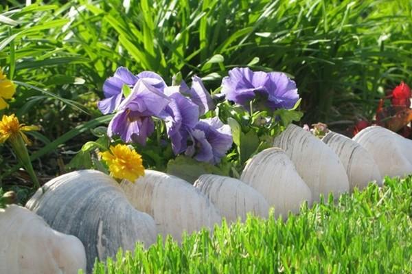 Garden Lawn Edging Ideas