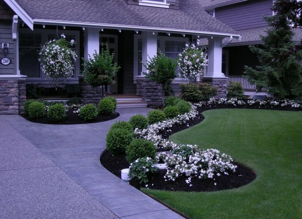 100 landscaping ideas for front yards and backyards for Inexpensive landscaping ideas for small yards