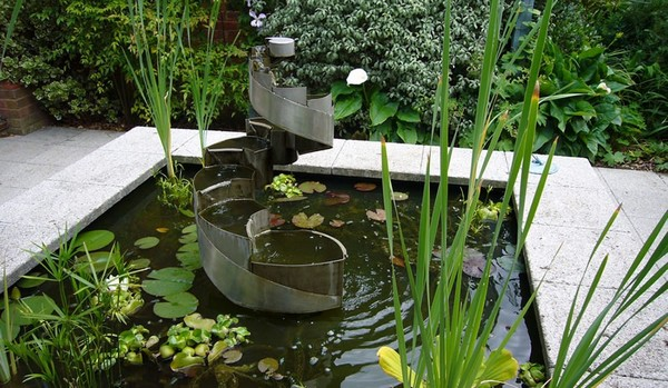 Garden Water Features on modern japanese house design