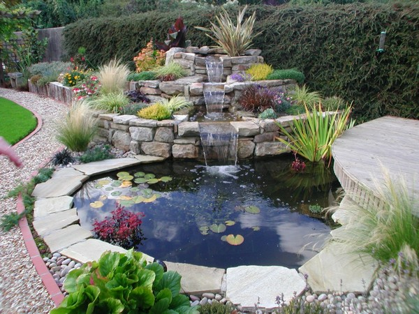 41 inspiring garden water features with images planted well Backyard water features