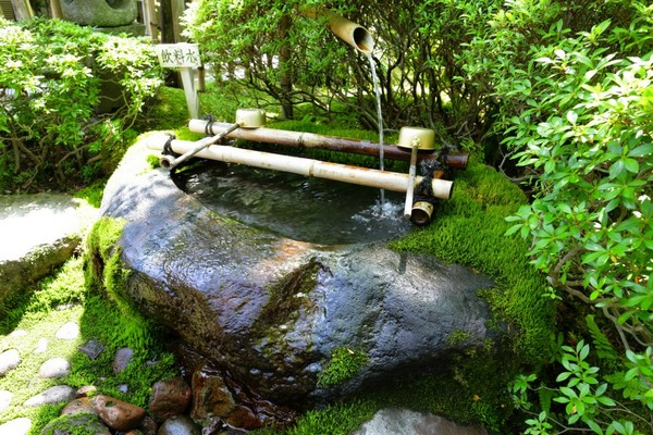 41 inspiring garden water features with images planted well for Japanese water feature