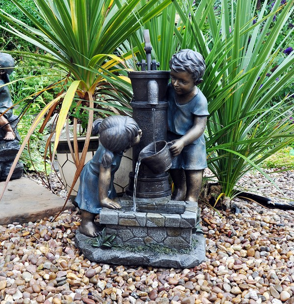Attrayant Small Garden Water Features. Outdoor Patio Wicker Furniture