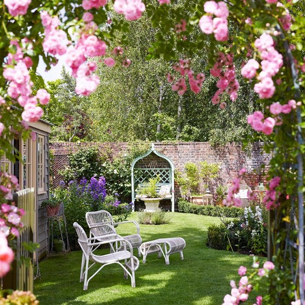 Small Rose Garden Layout Outdoor Decor Ideas