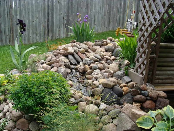 Landscaping rocks 23 free unique landscaping rock ideas for Garden design ideas using pebbles