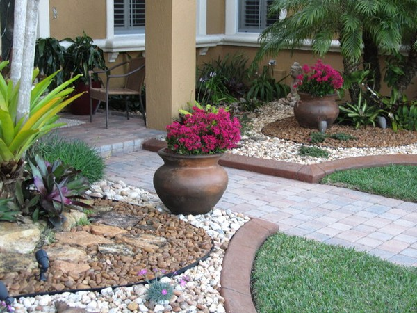 Landscaping Rocks: 23 Free & Unique Landscaping Rock Ideas ...