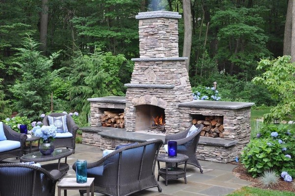 Outdoor fireplace ideas top 10 outdoor fireplace kits for Outside fireplace plans