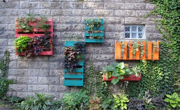 Vertical Palette Gardening