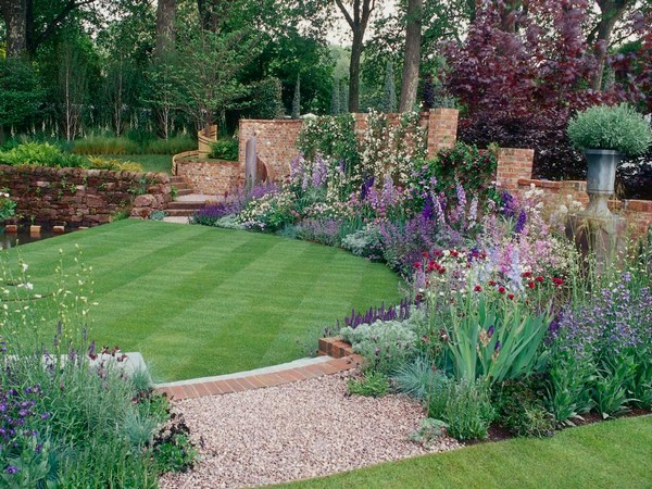 Lawn Backyard with Flowers Idea