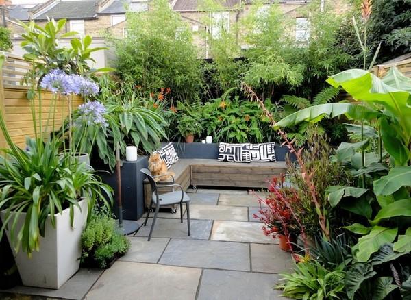 Cozy Backyard Party Idea