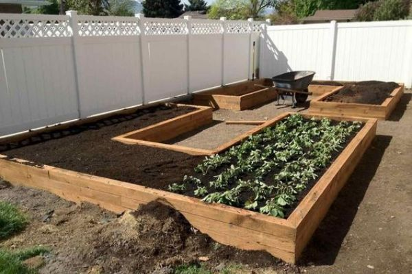 U-Shaped Raised Garden Bed Plans