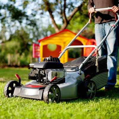 10 Best Electric Lawn Mowers Reviewed [2019]