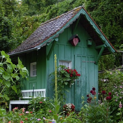 10 Best Small Garden Shed Ideas For This Summer