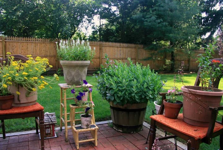 patio plant stands