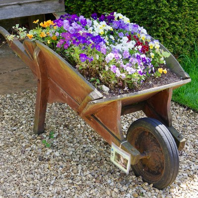 10 Best Wheelbarrows Reviewed [2019]