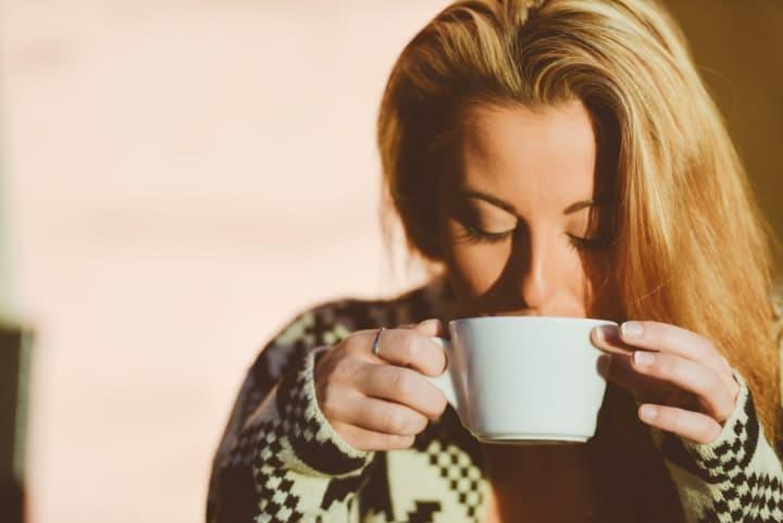 drinking lemon tea uplifts mood