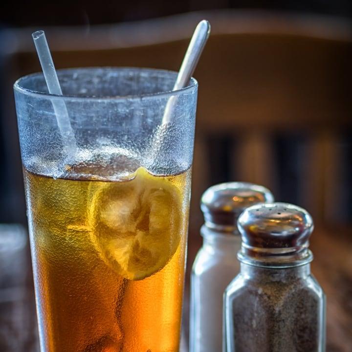 ice loemon ticed lemon tea for the summer