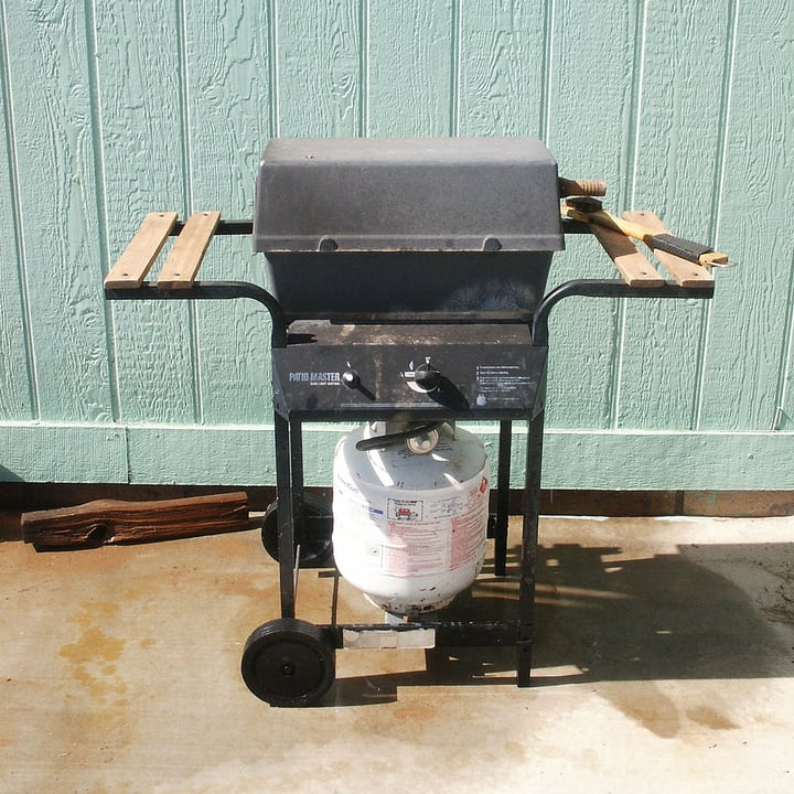 outdoor kitchen propane gas grill
