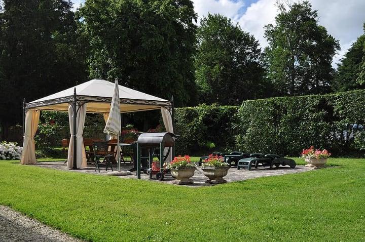 backyard bbq corner