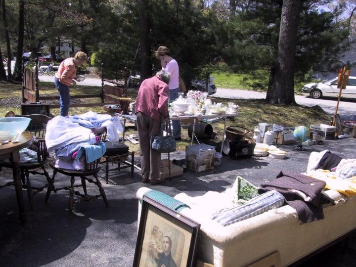 garden furniture yard sale