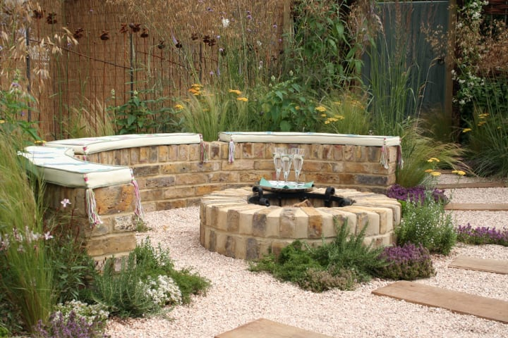 simple backyard fire pit
