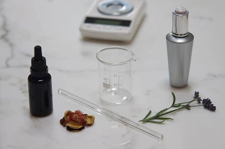 perfume making using lavender and bergamot oil