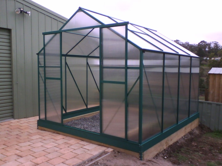 strong durable polycarbonate greenhouse