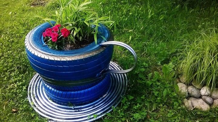 creative tire planter