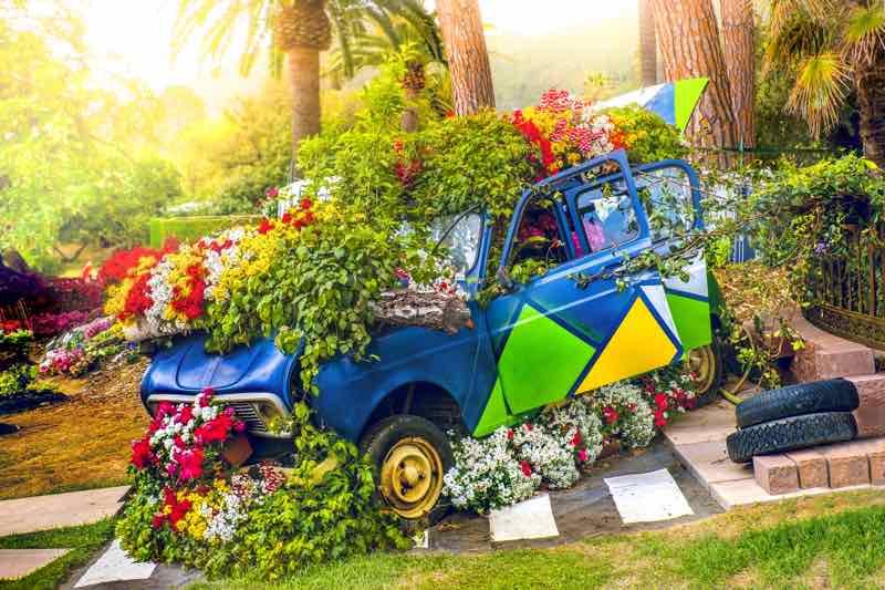 trunk flower garden design