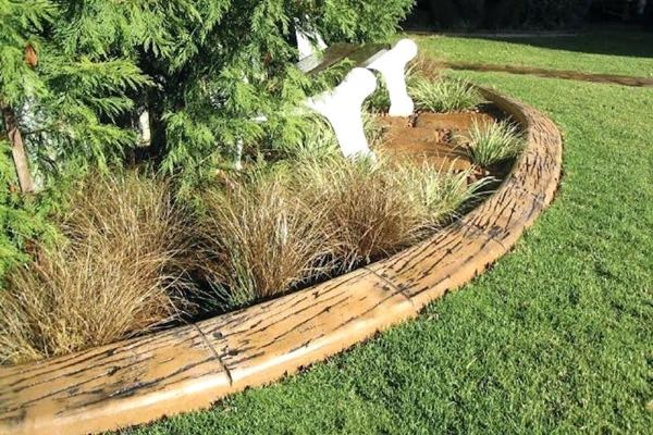 wood garden edging example