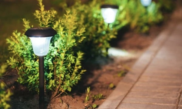 best outdoor solar light walkways