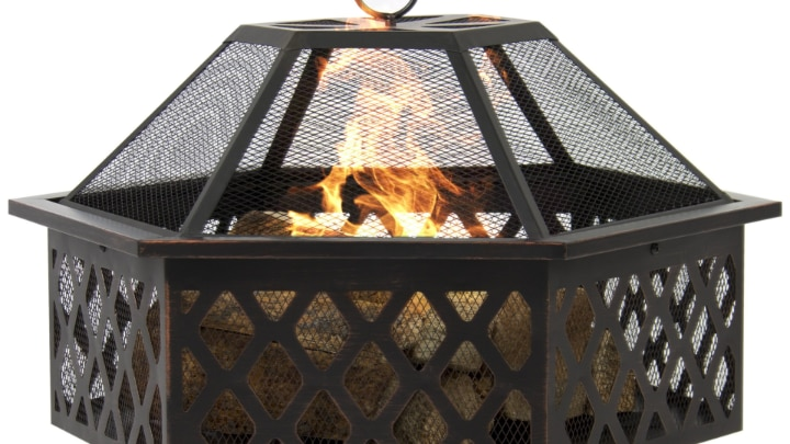 fire pit with spark screen