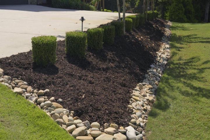 garden rocks border