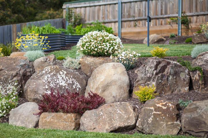 garden rocks landscaping