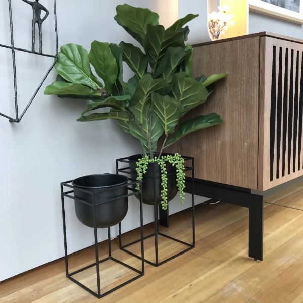 cubus plant stand