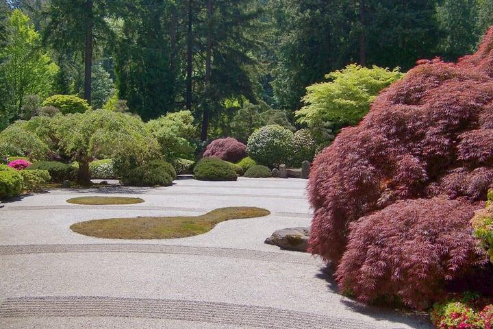 asymmetric japanese garden