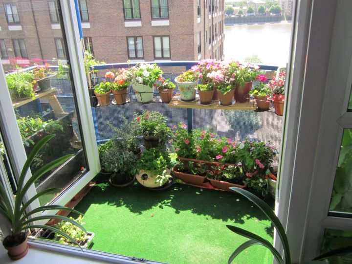 balcony garden apartment