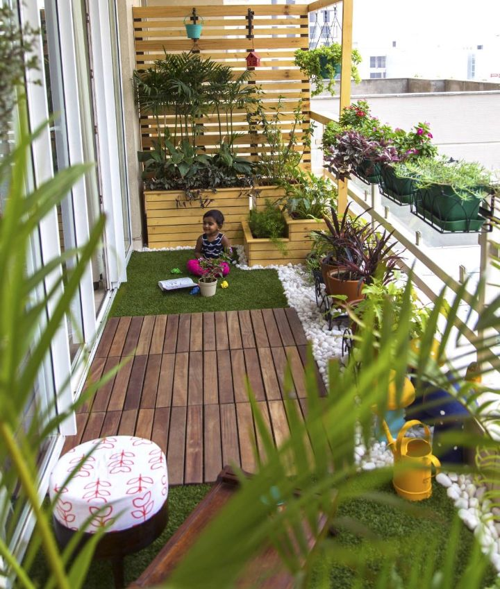 balcony with garden