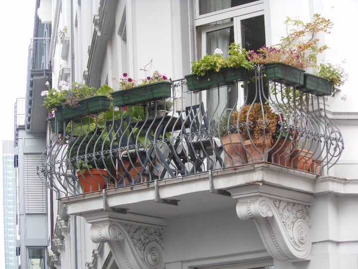 small balcony garden space