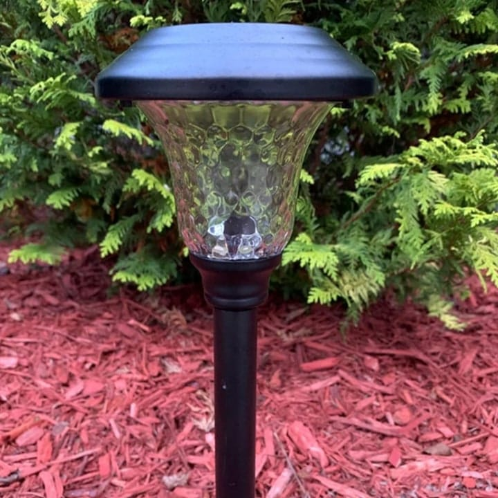 easy to install garden light
