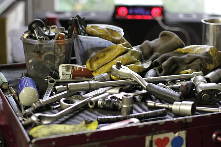 messy hand tools table