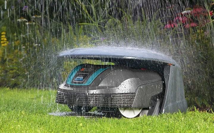 gardena robotic lawnmower in the rain