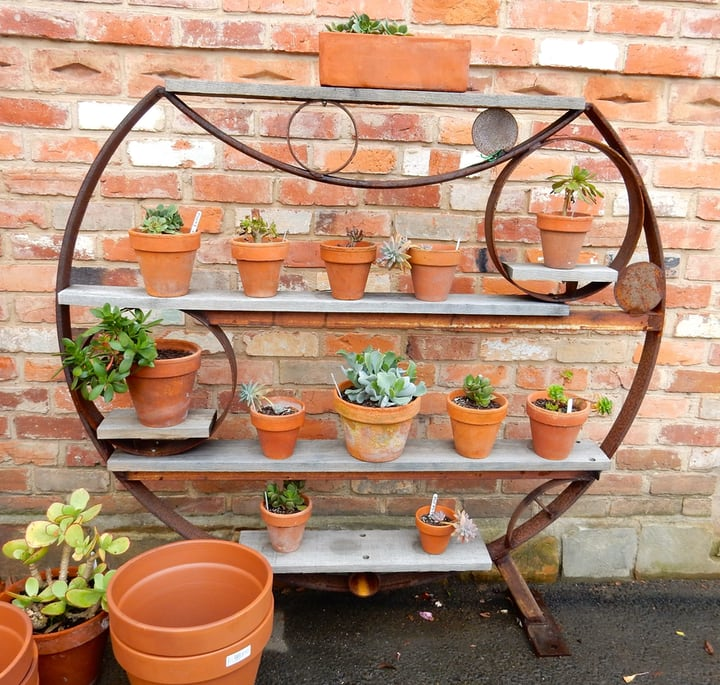 outdoor shelf wall garden