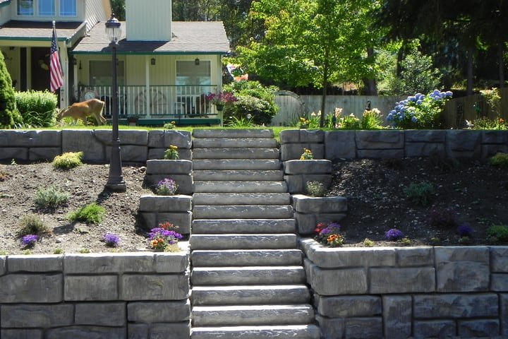 retaining wall garden by the stairs