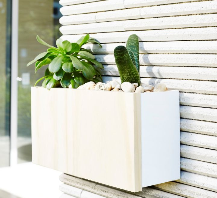 wall planter box outdoor